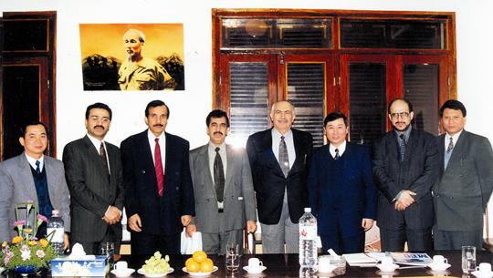 lãnh đạo công ty xuất khẩu lao động vinaconex ký kết hợp đồng đối tác trung đông