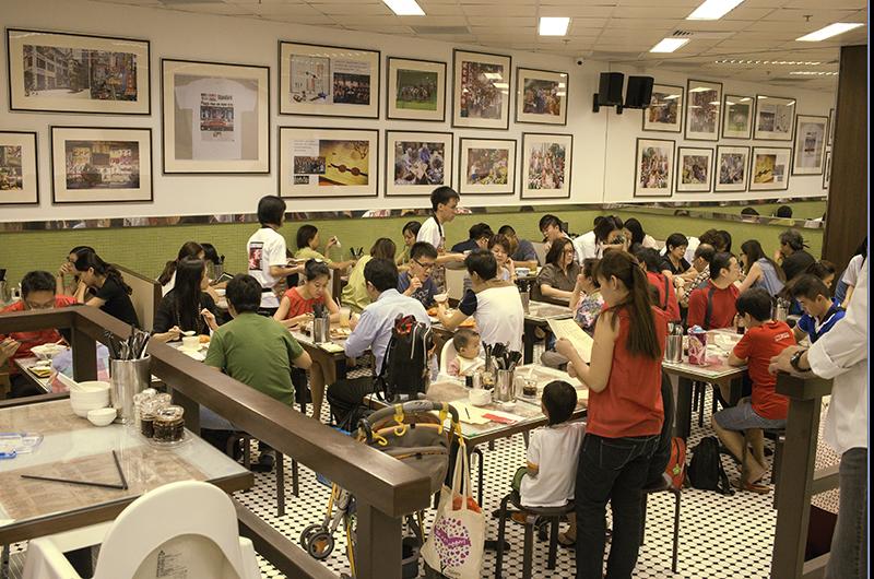 Tuyển nữ nhân viên phục vụ quán trà Hồng Kong xuat khau lao dong tai Singapore