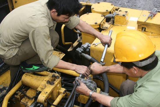 Tuyển nam thợ sửa chữa các loại máy dầu làm việc tại Singapore