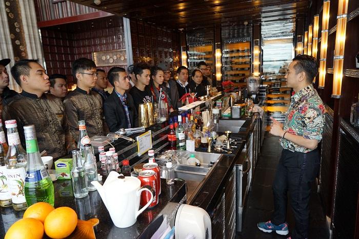 Tuyển 30 nam , nữ làm phục vụ trong khách sạn tai Macau năm 2017